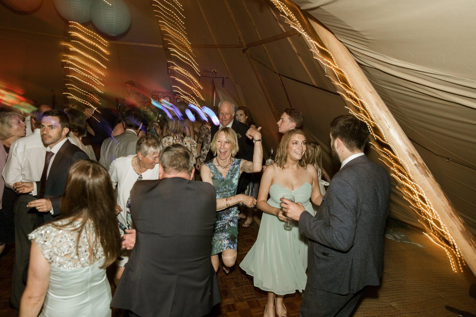 boho-suffolk-wedding-tipiwedding-carlaandtoby
