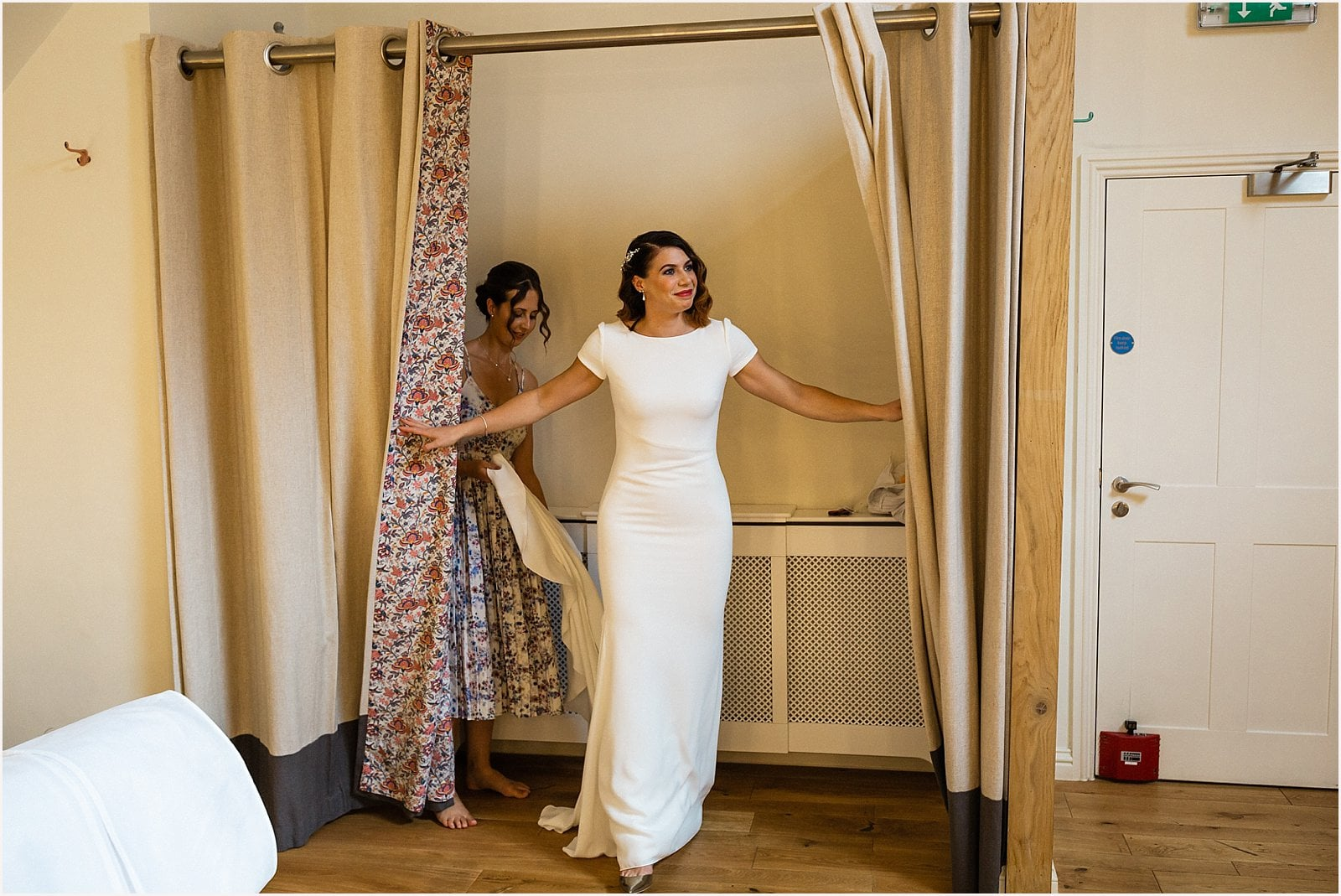 Millbridge Court Wedding - stunning summer wedding - wedding photography 20