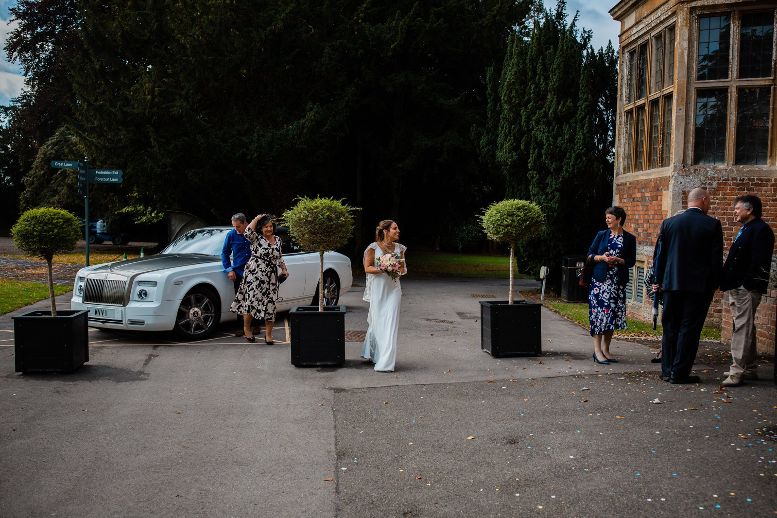 The Elephant Pangbourne Wedding - Stunning Kayleigh & Shane 2
