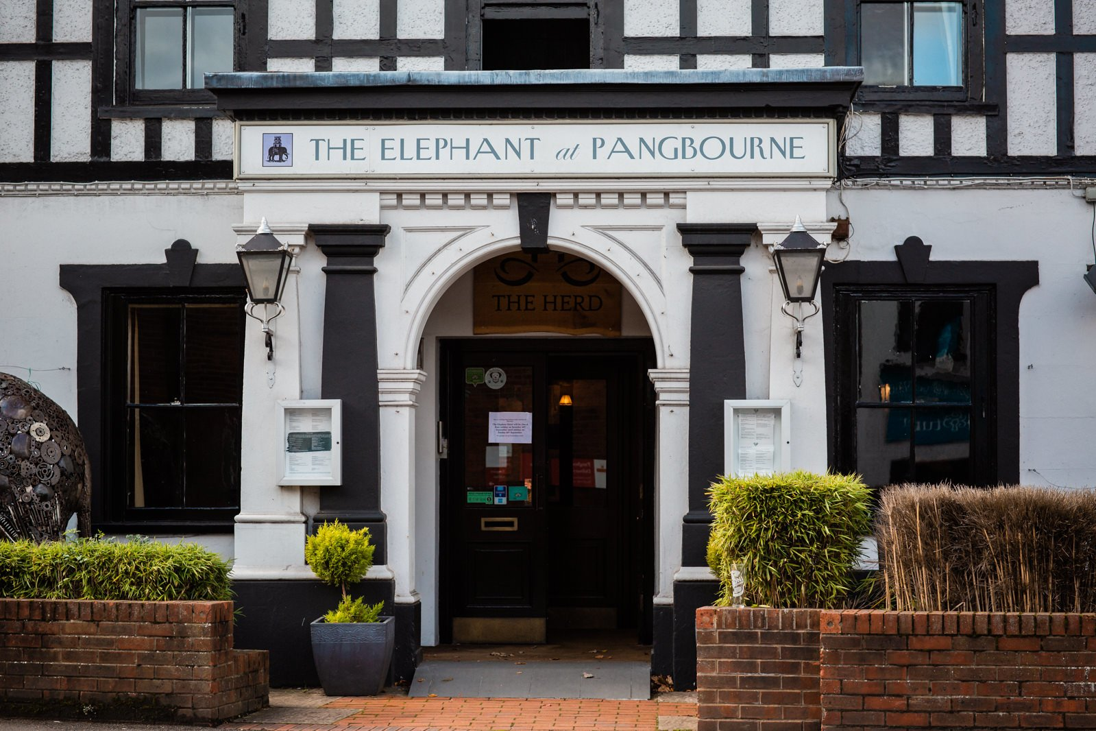 The Elephant Pangbourne Wedding - Stunning Kayleigh & Shane 41