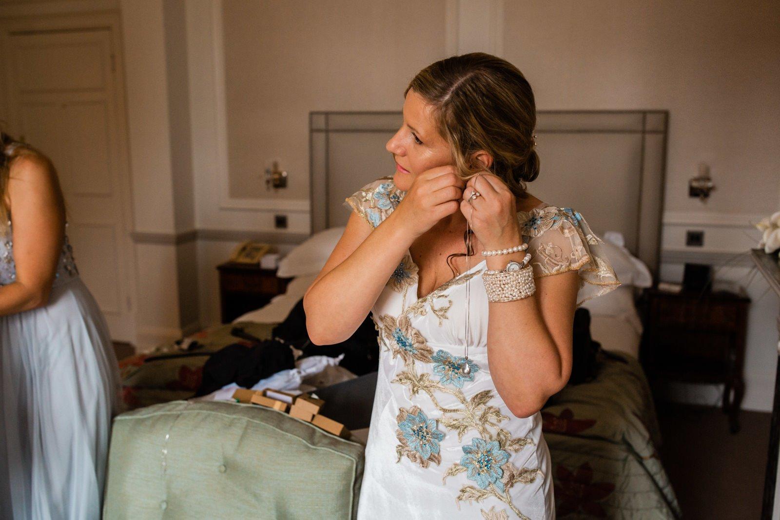 Beautiful Tylney Hall Wedding | Laura & Innes 8