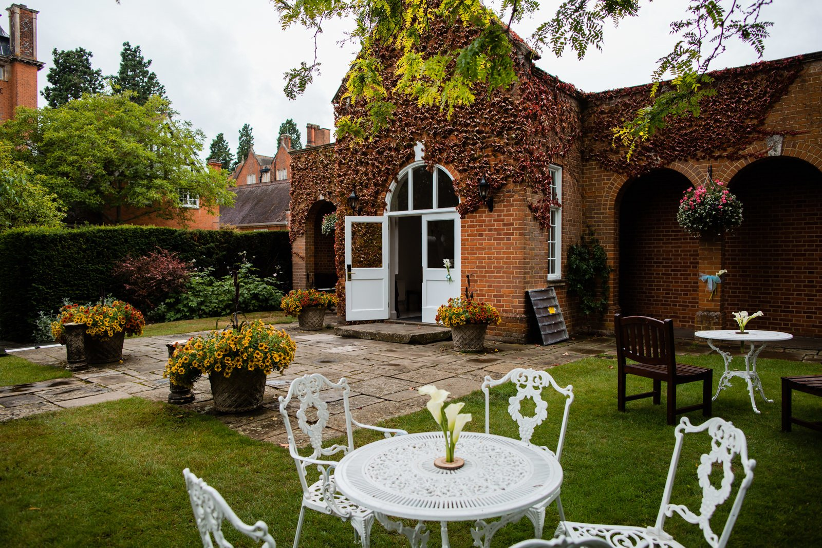 Beautiful Tylney Hall Wedding | Laura & Innes 35