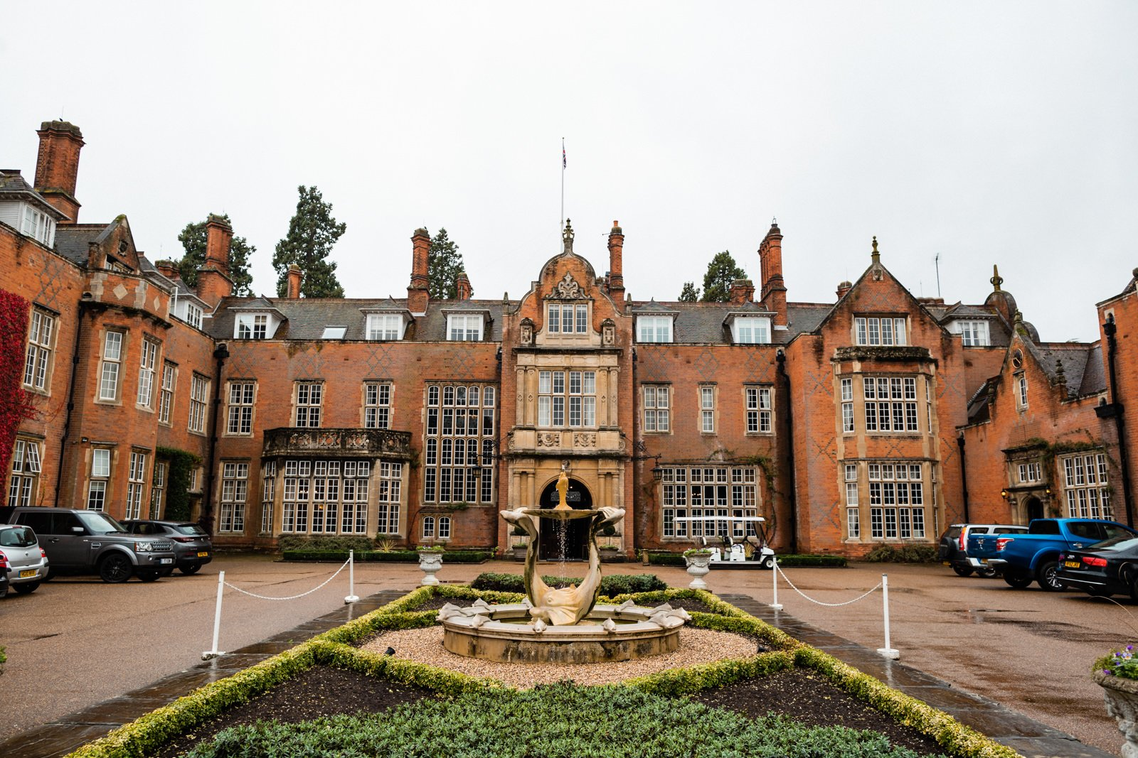 Gorgeous Tylney Hall Wedding Photos | Hayley & Stephen 43